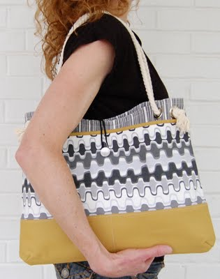 SOG_midi-handbag