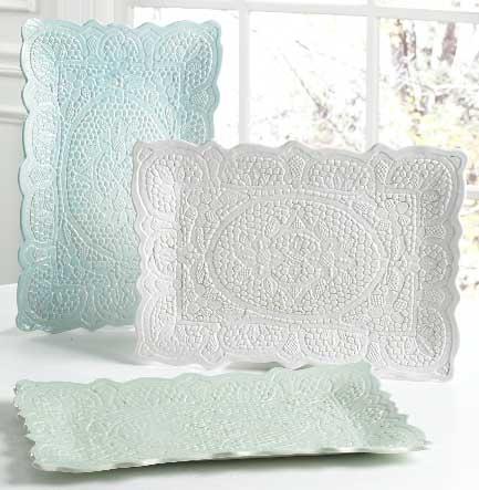 Lace-Pottery-Tray-Dogwood